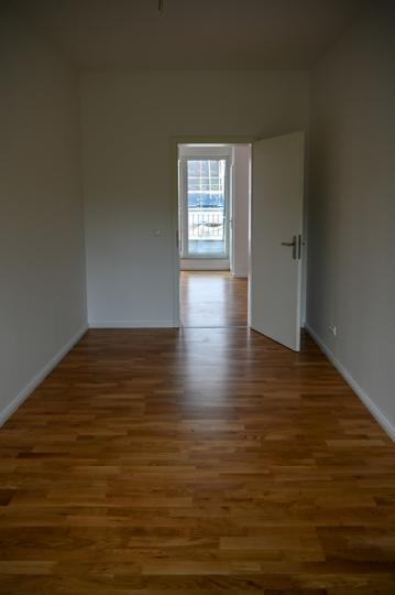 2 rooms office with roof terrace - 47 qm right