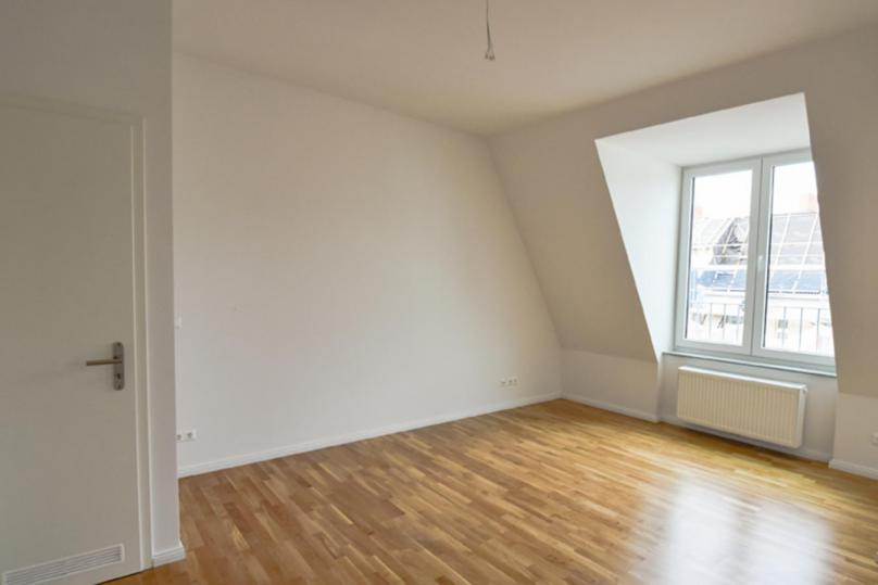 1 room appartment in the roof - 33 qm left